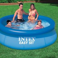 Piscina easy set 28110 in uso