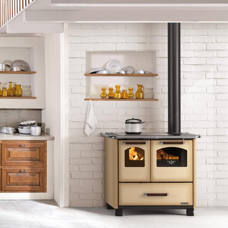 """Cucina a legna Dal Zotto """"Favola 4,5"""" DX Kw 7,5 Cappuccino"""